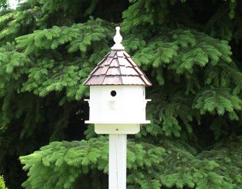 Using Birdhouses for Garden Architecture