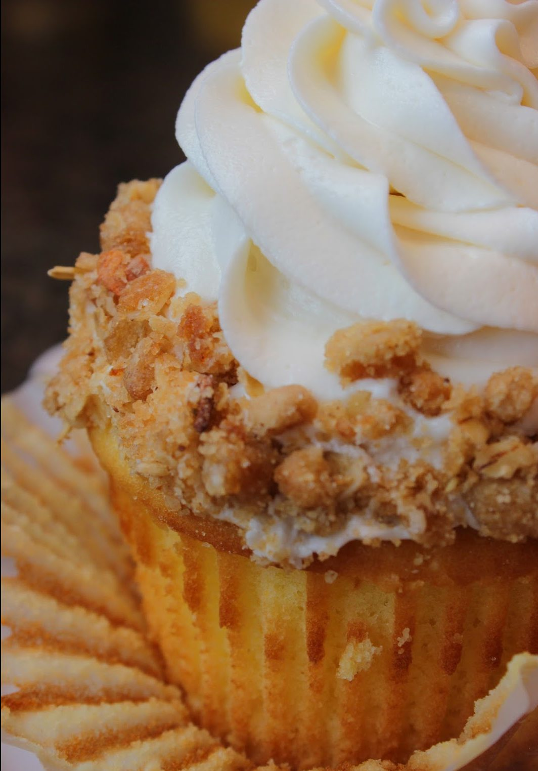 """Apple Pie Cupcake Recipe from Disney World's """"Limited Time Magic"""" (4th of July)"""
