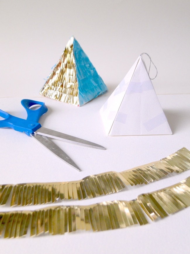 DIY 'CONFETTI SYSTEM' ORNAMENTS