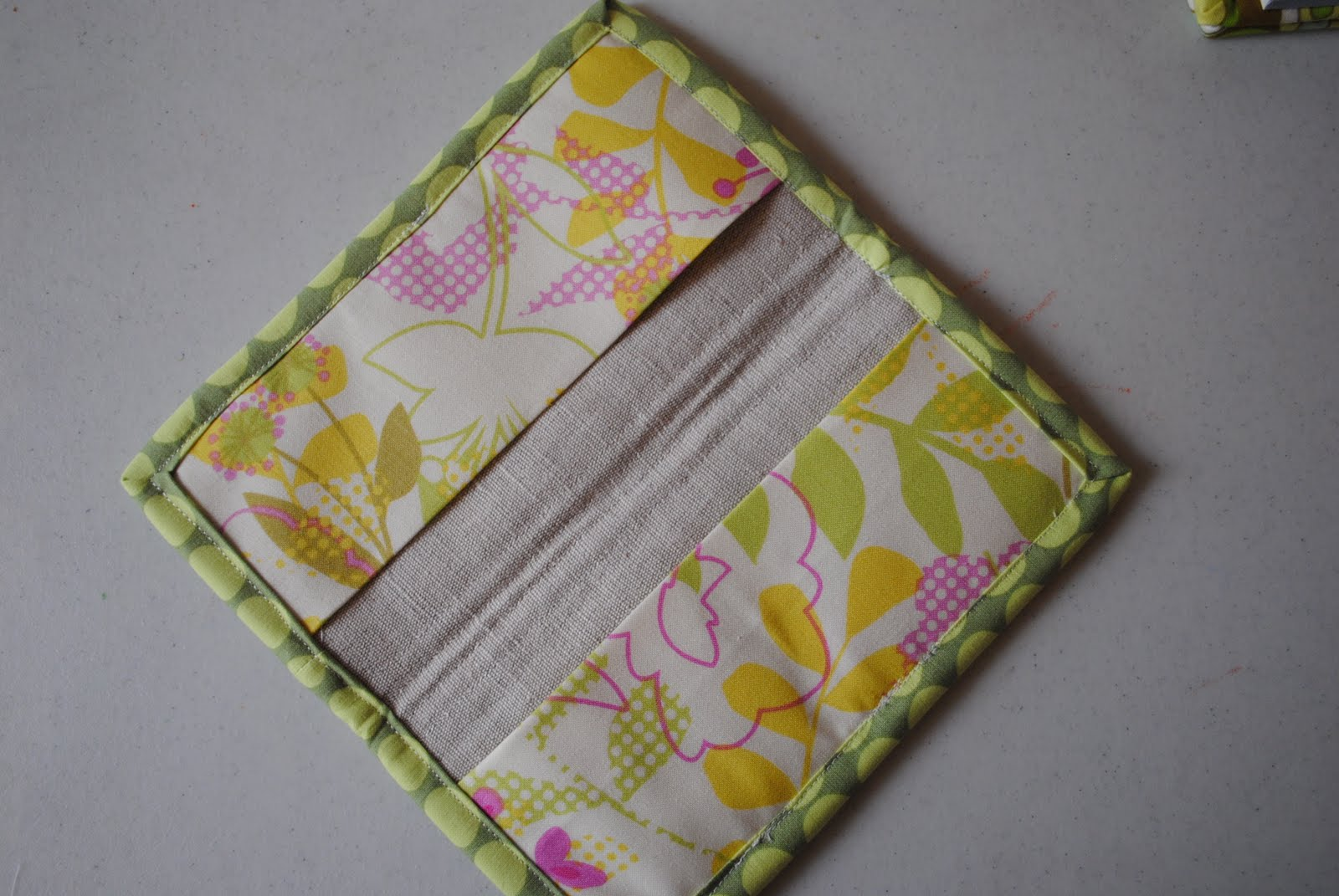 How to make checkbook covers/ tutorial