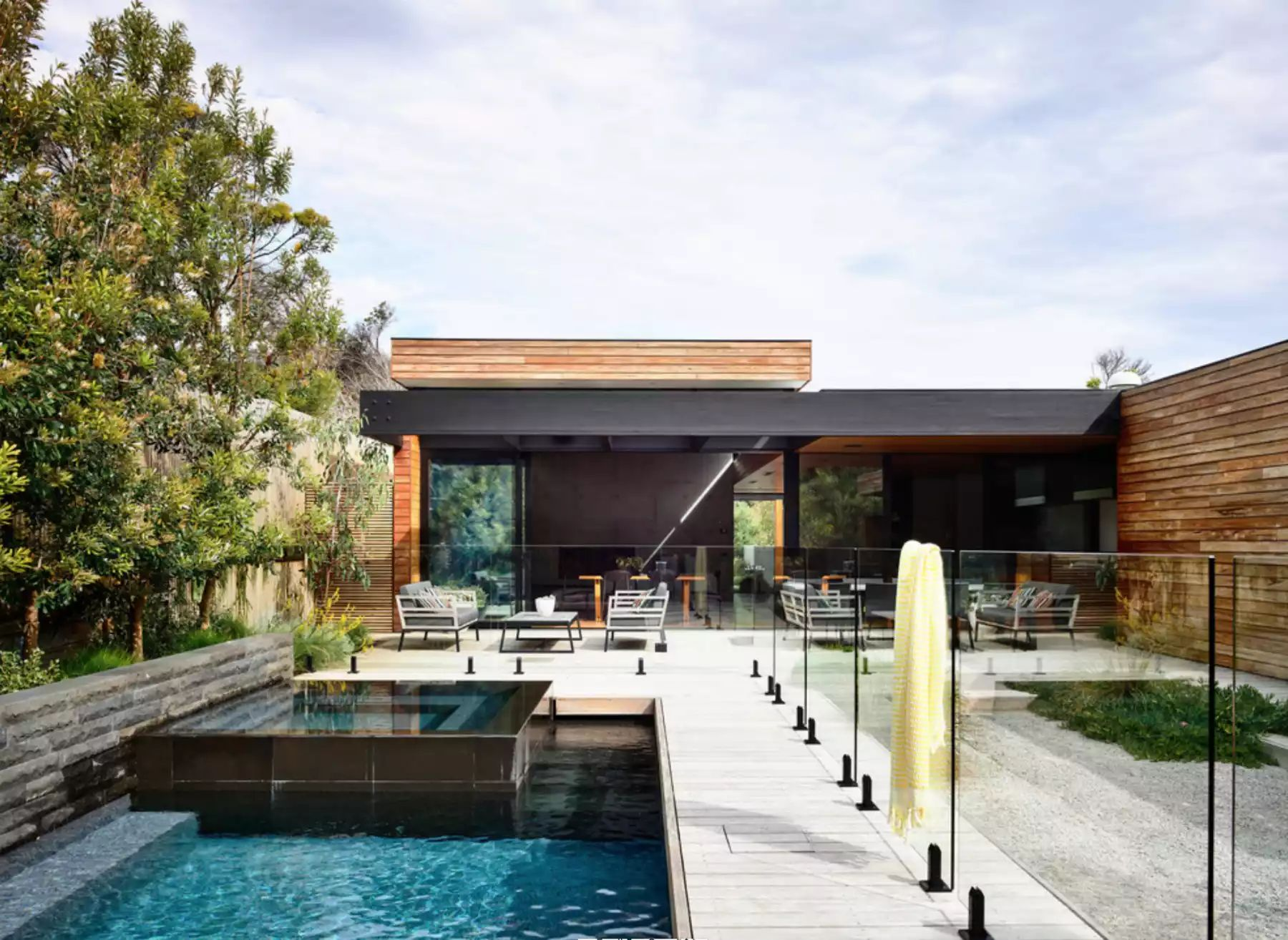 Coastal Landscape in Melbourne -   Beautiful Low Maintenance Front Yard Garden and Landscaping Ideas