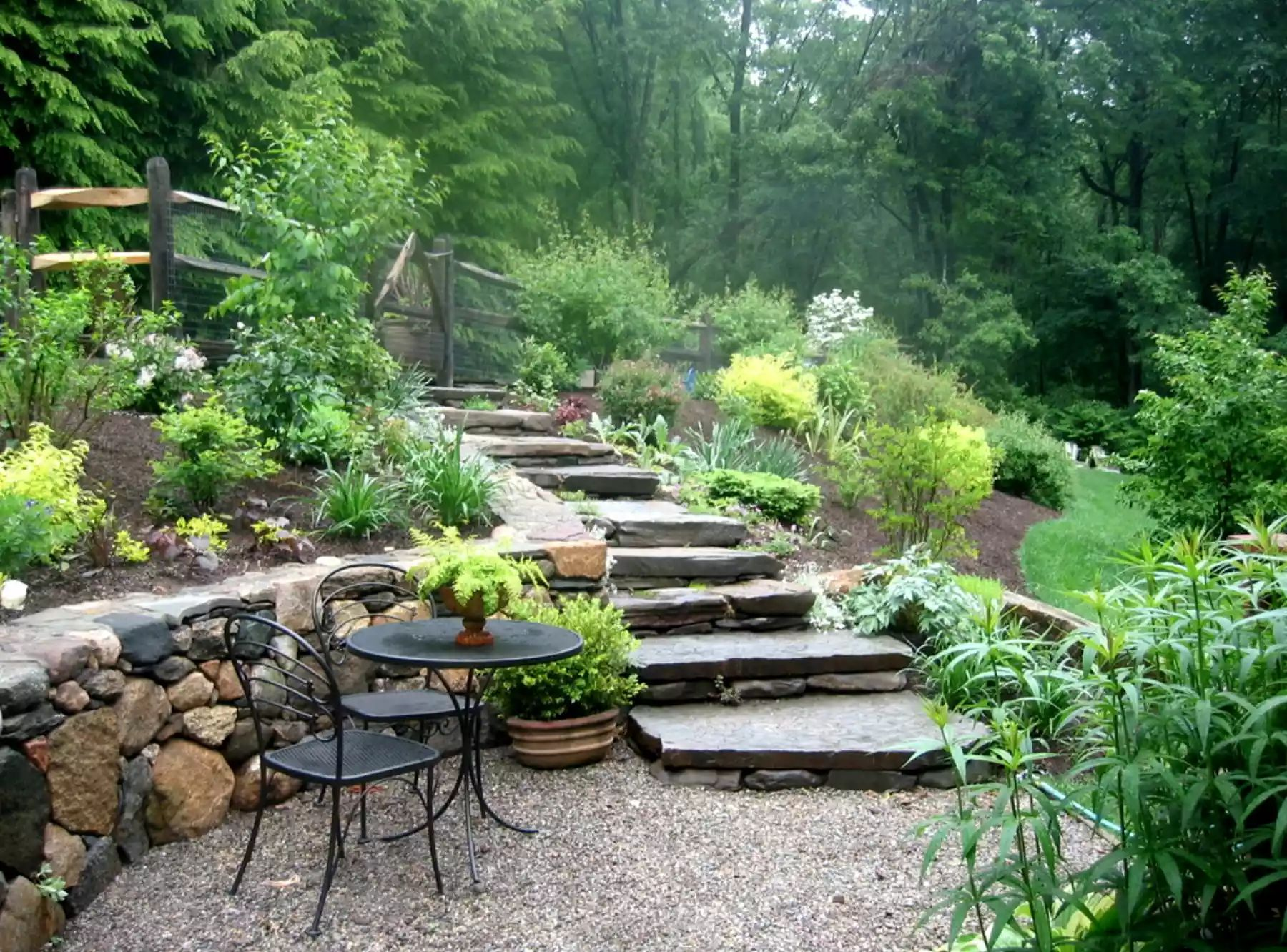 Earthy Escape -   Beautiful Low Maintenance Front Yard Garden and Landscaping Ideas