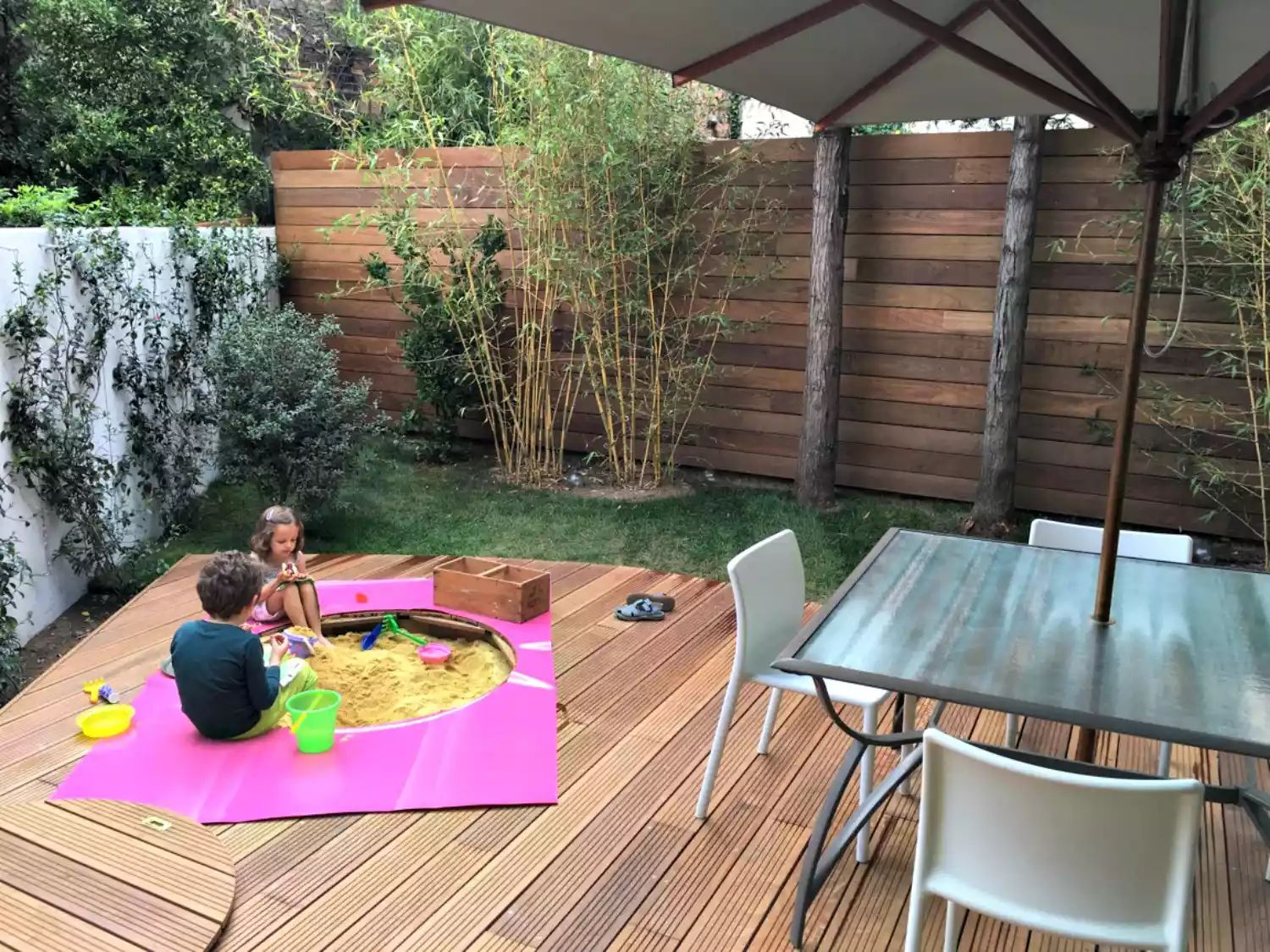 Privacy Garden -   Beautiful Low Maintenance Front Yard Garden and Landscaping Ideas