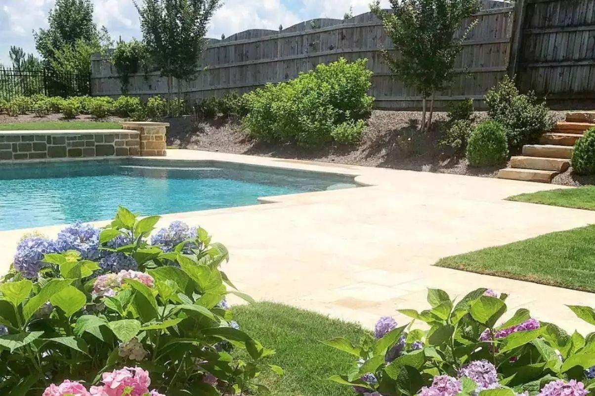 Hydrangea Heaven -   Beautiful Low Maintenance Front Yard Garden and Landscaping Ideas