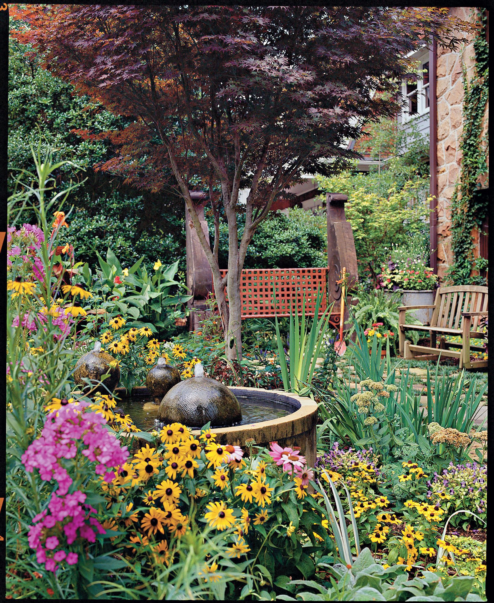 Colorful Cottage Courtyard -   19 Awesome Courtyards Ideas