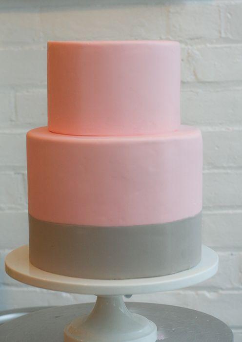 HOW TO COVER A DUMMY CAKE