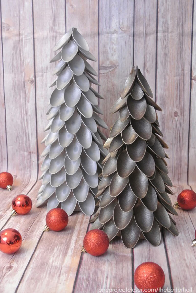 Plastic Spoon Christmas Tree -   DIY Dollar Store Christmas Decoration Ideas